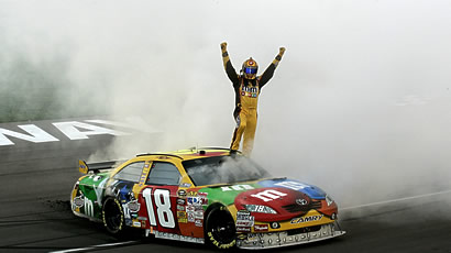 171_kyle-busch-auto-interview_flash